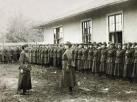 Lwow 20.09.1919. Obrona Lwowa, Ochotnicza Legia Kobiet, raport przyjmuje major Aleksandra Zagorska