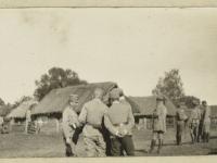 6. Pułk Piechoty Legionów podczas postoju / źródło: Polona