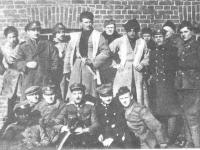 Gen. St. Bułak-Bałahowicz (siedzi w środku), walczył o niepodległą Białoruś / źródło: jpiłsudski.org