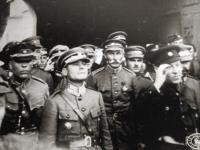 Gen. Marko Bezruczko z URL (w środku na pierwszym planie) / źródło: radiowrocław.pl