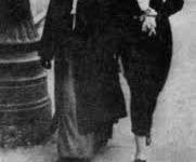 Emma Altberg (z matką), c. Mojżesza - światowej sławy pianistka / źródło: jevishplock.eu