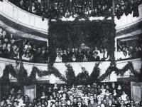 Teatr Miejski w Płocku / źródło: Łakomski M. - Album tumski. Płock 2008