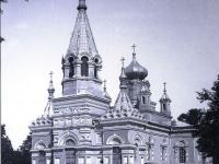 Wiec przed kościołem garnizonowym / źródło: galeria.plock24.pl