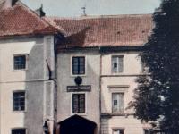 Gimnazjum żeńskie / źródło: Płock na starych widokówkach. Płock 2012