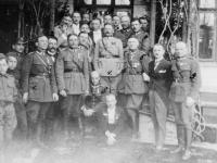 Płock 10 kwietnia 1921 r. Roman Hatała stoi pierwszy zprawej strony, fot.zezbiorów Franciszka Olkowskiego