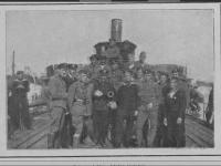 Załoga statku Stefan Batory / źródło: Tygodnik Ilustrowany 1920 nr38 s. 728
